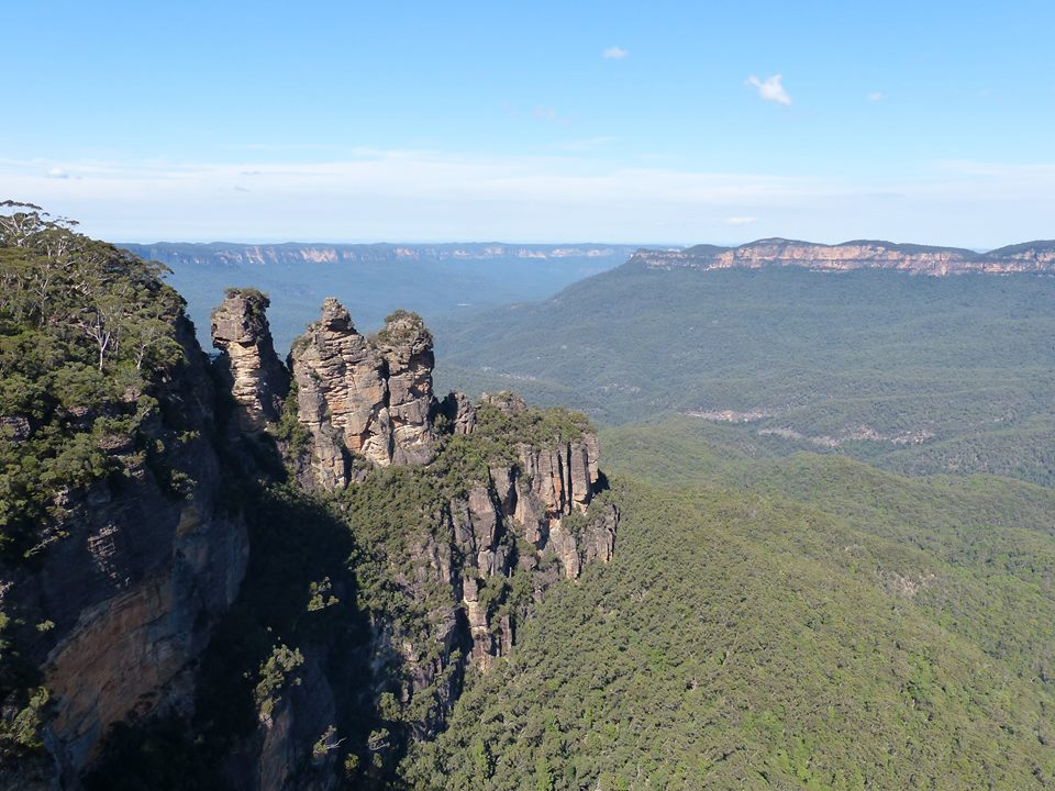 Three Sisters, Blues Mountains